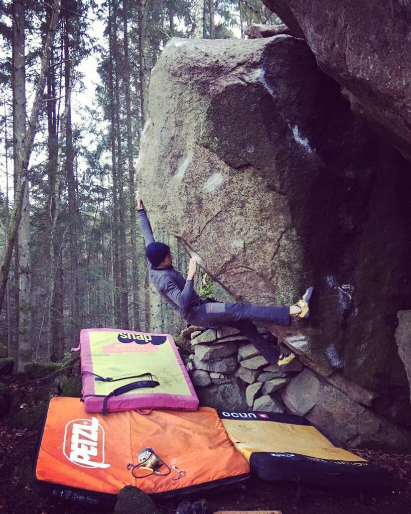 Photo: Rodolphe Marie, Climber: Florian Guillebeaud